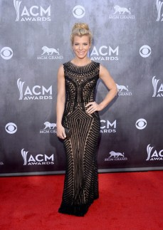 Kimberly Perry looked gorgeous in this gown that featured her amazing body shape.