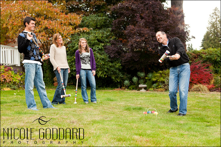 018_101209_nicolegoddard_mg_5315_McKinley family playing croquet