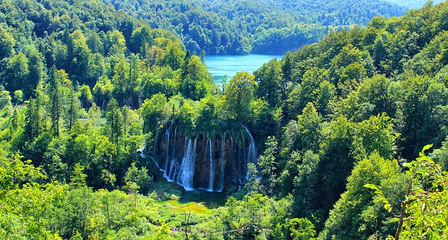 natural wonders of europe - plitvice lakes