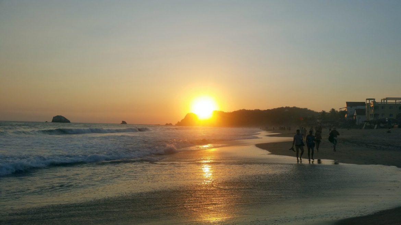 cheap beach towns puerto escondido