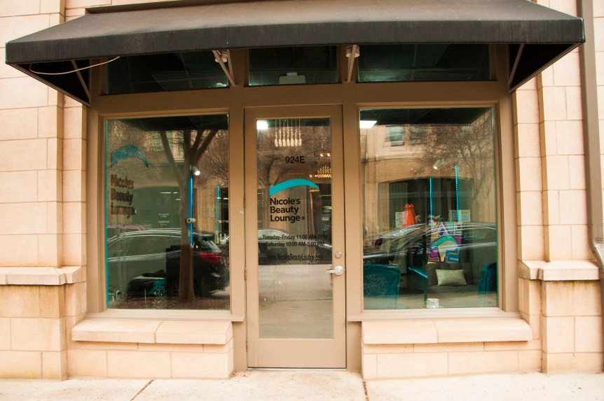 nicoles-beauty-lounge-store-front