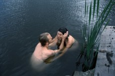 henrik-knudsen-hanging-tender-02