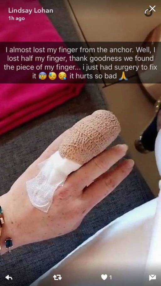 Lindsay Lohan Forced To Have Operation After Nearly Losing Her Finger!!