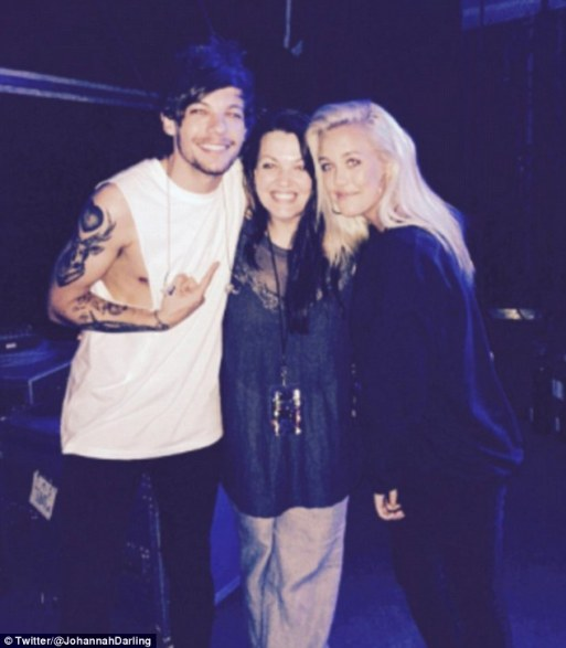 Louis Tomlinson's Sister Lottie Gets Mum's Lips Tattooed Just Days After Her Death