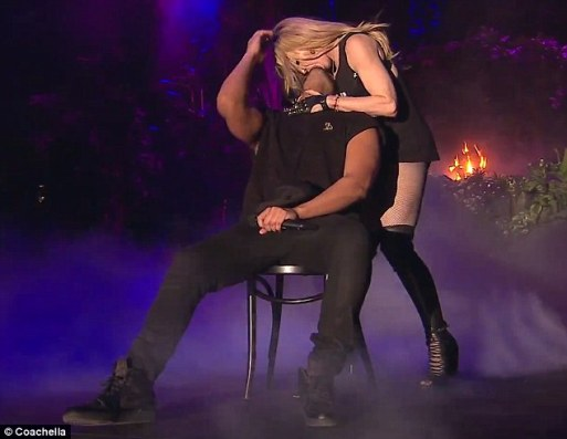 Madonna Had A Fling With Drake!!!!!