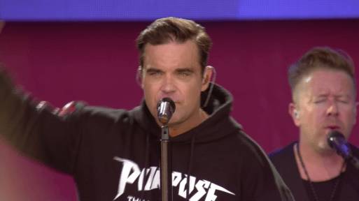 Robbie Williams Left Unable To Sing At Manchester Gig Due To Crying