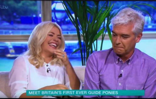 Horse POO'S All Over This Morning Studio Causing Holly Willoughby To Go Into Fits Of Giggles