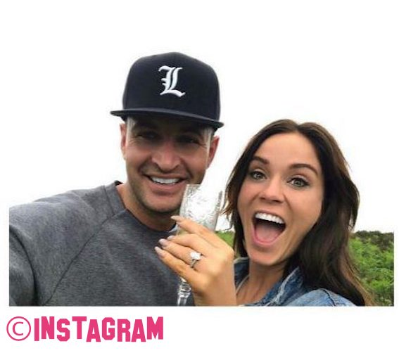 Vicky Pattison Announces Engagement To John Noble