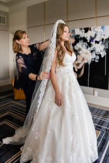 The Four Seasons Austin, spring wedding, Texas Wedding, Texas Wedding Photographer, Texas Wedding Venue, Austin Wedding Venue, Austin Wedding, Austin Wedding Photographer, wedding makeup, hair and makeup, wedding day, bride, getting ready, wedding veil, mother of the bride