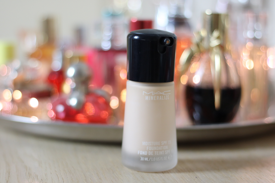 MAC Foundation Bottle