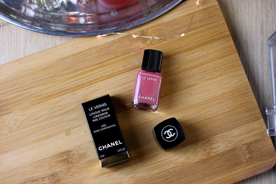 My First Ever Chanel Nail Polish: Chanel Le Vernis in 491 Rose Confidentiel