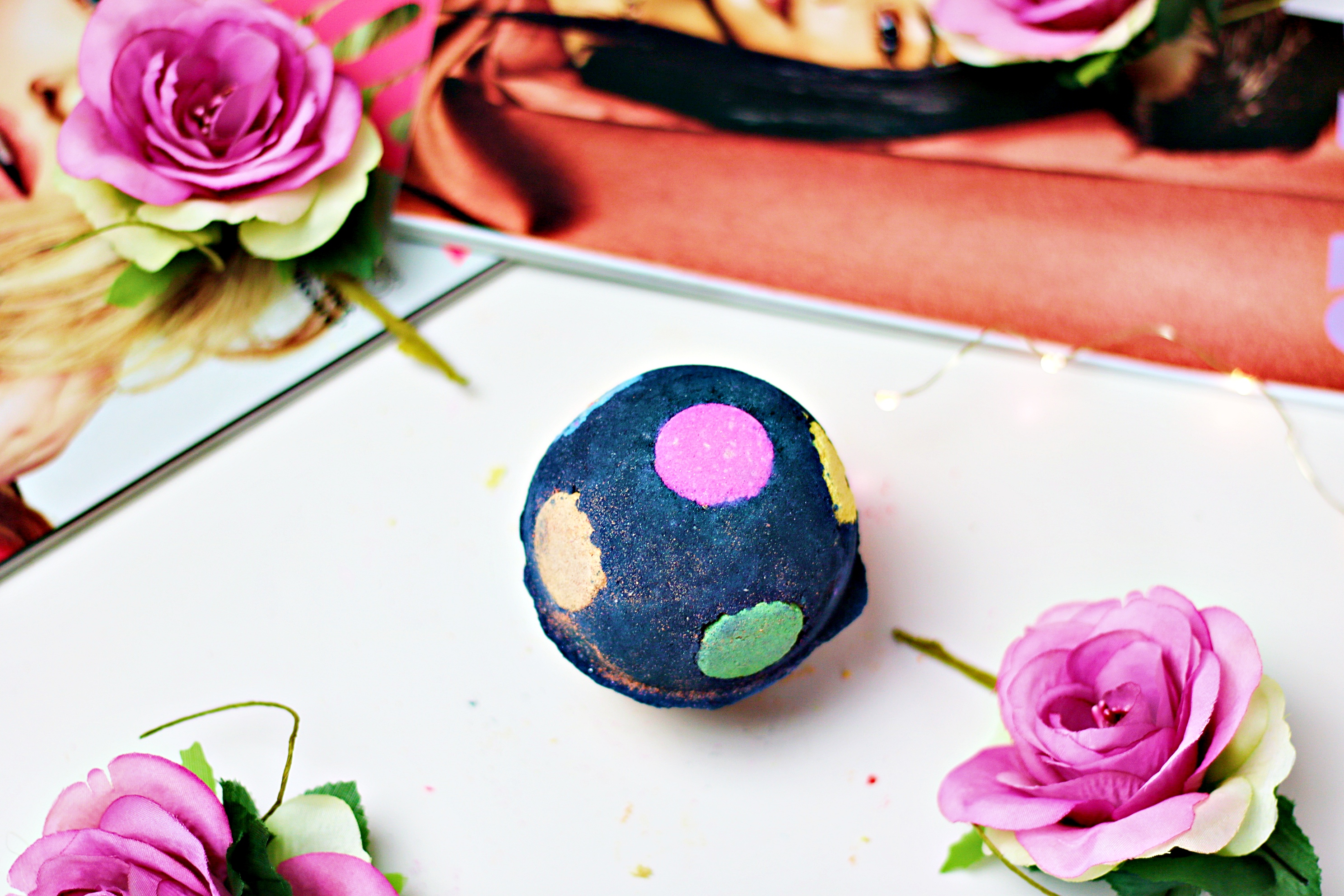 Lush Christmas 2019 The World's Smallest Disco Bath Bomb