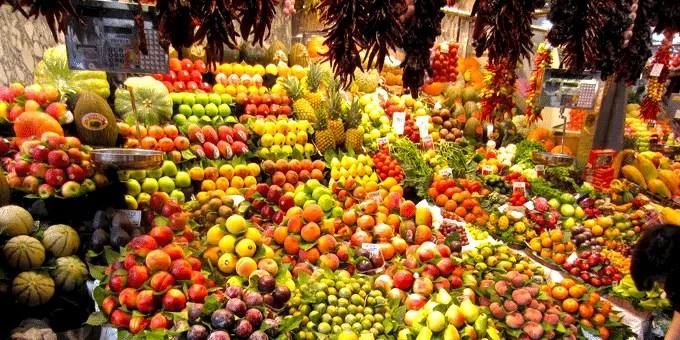 Staedtereise Barcelona - Obst und Gemüse in der Markthalle La Boqueria