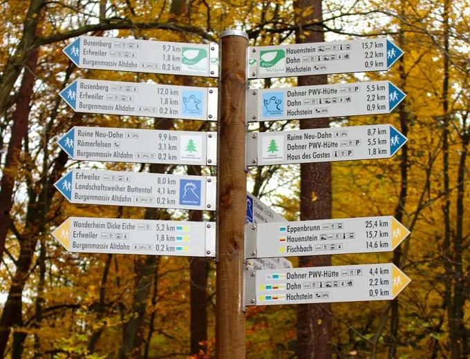 Sehenswuerdigkeiten-suedwestpfalz-dahner-felsenland-rheinland-pfalz-reisetipps-deutschland-wanderwege