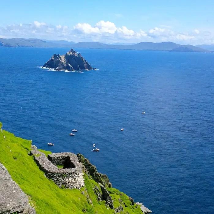 sehenswuerdigkeiten-portmagee-Iveragh-Halbinsel-county-kerry-reisetipps-irland-skellig-michael-blick-vogelinsel