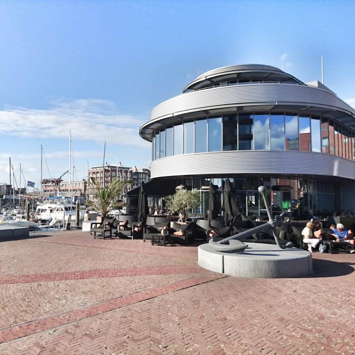 sehenswuerdigkeiten-den-haag-suedholland-reisetipps-niederlande-seebad-scheveningen-jachthafen-catch-by-simonis