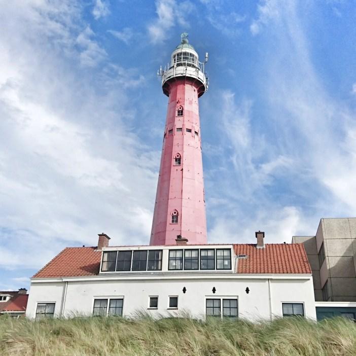 sehenswuerdigkeiten-den-haag-suedholland-reisetipps-niederlande-seebad-scheveningen-leuchtturm