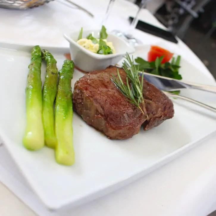 "restaurants-in-kassel-el-main-main ""width ="" 726 ""height ="" 726 ""srcset ="" https://www.nicolos-reiseblog.de/wp-content/uploads/2017/01/restaurants-in -kassel-el-erni-hauptpeise.jpg 726w, https://www.nicolos-reiseblog.de/wp-content/uploads/2017/01/restaurants-in-kassel-el-erni-hauptspeise-150x150.jpg 150w , https://www.nicolos-reiseblog.de/wp-content/uploads/2017/01/restaurants-in-kassel-el-erni-hauptspeise-300x300.jpg 300w, https: //www.nicolos-reiseblog. DE / wp-content / uploads / 2017/01 / restaurants-in-kassel-el-erni-main-meal-50x50.jpg 50w ""sizes ="" (max-width: 726px) 100vw, 726px ""/></p data-recalc-dims="