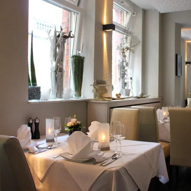 "restaurants-in-kassel-interior-windows ""width ="" 726 ""height ="" 726 ""srcset ="" https://www.nicolos-reiseblog.de/wp-content/uploads/2017/01/restaurants -in-kassel-el-erni-innen-fensterfront.jpg 726w, https://www.nicolos-reiseblog.de/wp-content/uploads/2017/01/restaurants-in-kassel-el-erni-innen- windowfront-150x150.jpg 150w, https://www.nicolos-reiseblog.de/wp-content/uploads/2017/01/restaurants-in-kassel-el-erni-innen-fensterfront-300x300.jpg 300w, https: //www.nicolos-reiseblog.de/wp-content/uploads/2017/01/restaurants-in-kassel-el-erni-innen-fensterfront-50x50.jpg 50w ""sizes ="" (max-breedte: 726px) 100vw , 726px ""/><img class="