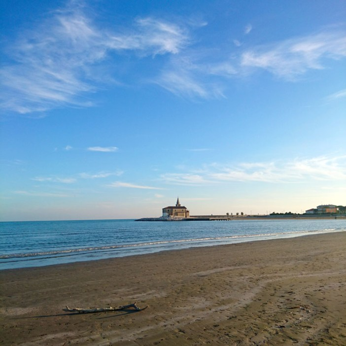 reisetipps-venetien-reisetipps-italien-rundreise-venetien-strand-caorle