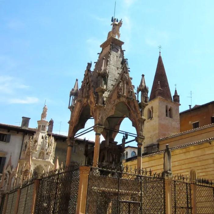 reisetipps-venetien-reisetipps-italien-rundreise-venetien-sehenswuerdigkeiten-verona-skaligergraeber