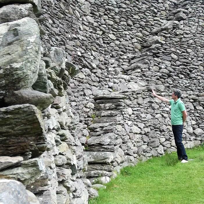 Rundreise-irland-reisetipps-irland-Staigue-Stone-Fort-innen-nicolos-reiseblog