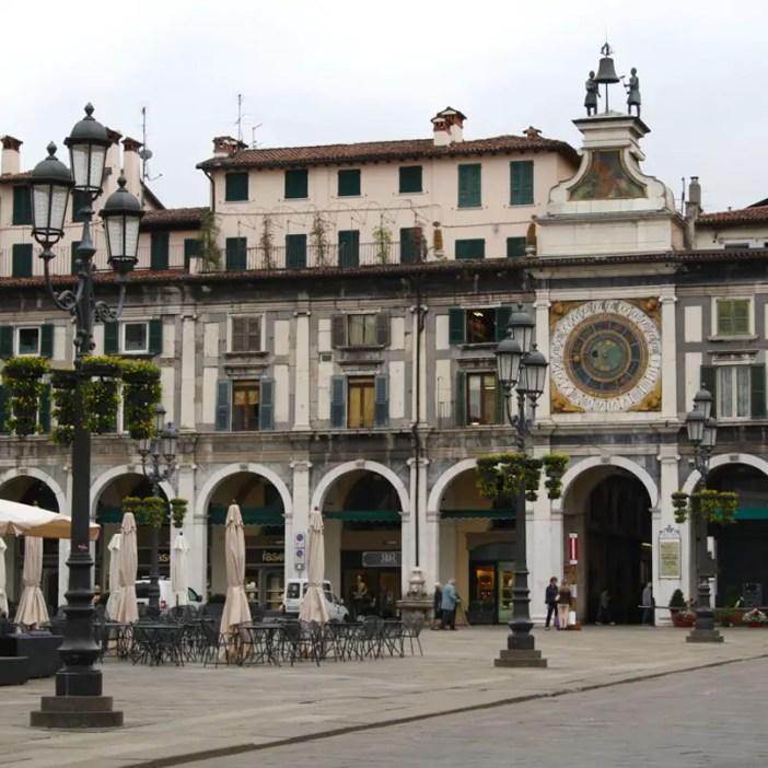 reisetipps-lombardei-reisetipps-italien-rundreise-lombardei-sehenswuerdigkeiten-brescia-Torre-dell-orologio
