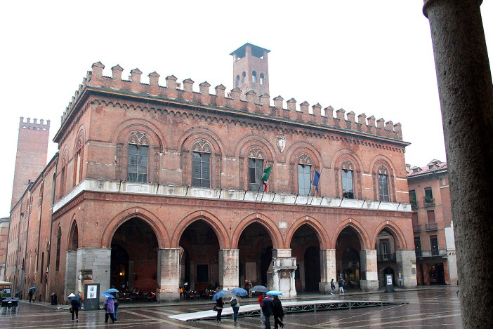 reisetipps-lombardei-reisetipps-italien-rundreise-lombardei-sehenswuerdigkeiten-cremona-Palazzo-Comunale