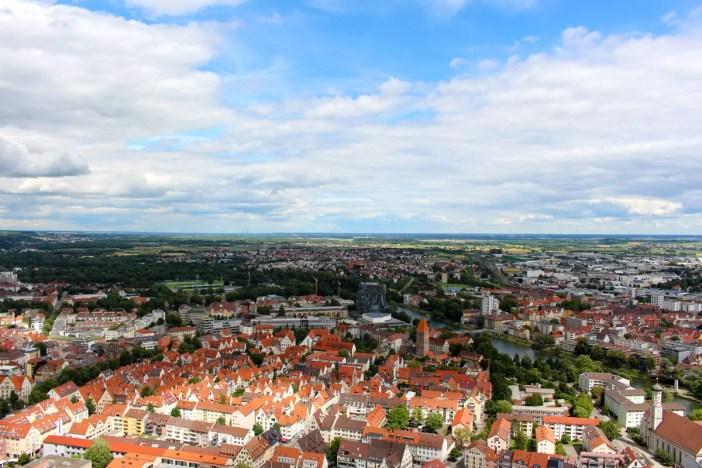 sehenswuerdigkeiten-ulm-reisetipps-baden-wuerttemberg-reisetipps-deutschland-reiseblog-ulmer-muenster-aussicht-stadt-ulm