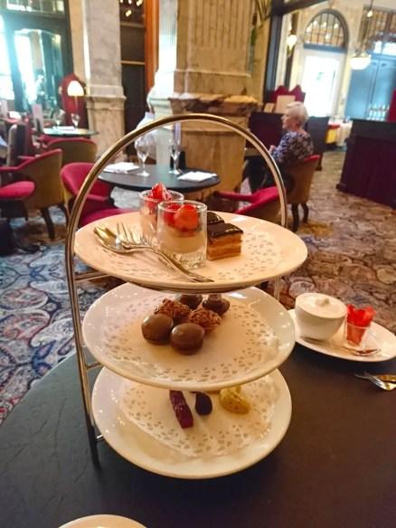 High-Tea-Hotel-Des-Indes-Den-Haag-etagere