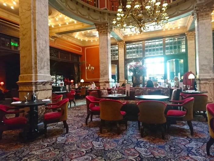 High-Tea-Hotel-Des-Indes-Den-Haag-hotel-lounge-sitzecke
