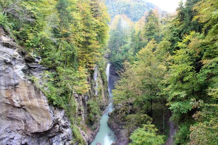 sehenswuerdigkeiten-dornbirn-reisetipps-vorarlberg-reisetipps-oesterreich-rappenlochschlucht-felssteig-ausblick