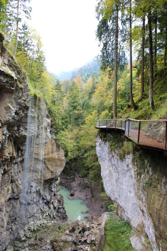 sehenswuerdigkeiten-dornbirn-reisetipps-vorarlberg-reisetipps-oesterreich-rappenlochschlucht-felssteig-oben