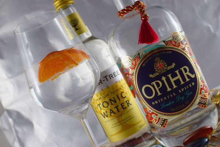 gin-tonic-tipp-Opihr-Oriental-Spiced-London-Dry-Gin-england-flasche-tonic-water-glas