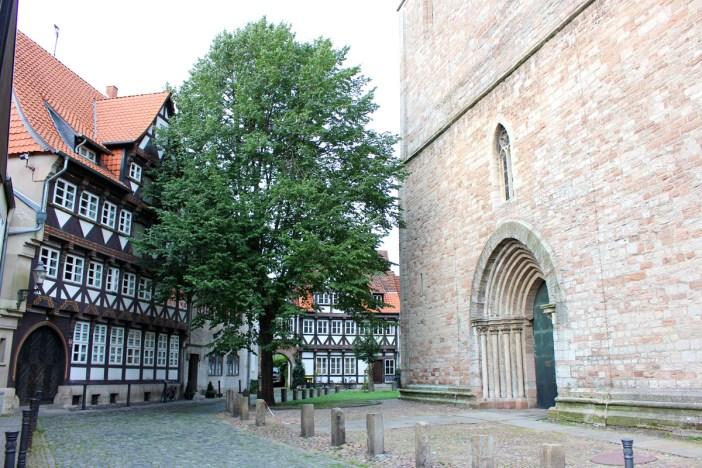 was-muss-man-in-braunschweig-gesehen-haben-magniviertel-kirche-rundgang