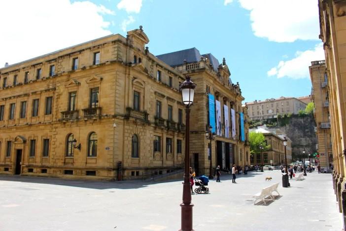 sehenswuerdigkeiten-san-sebastian-reisetipps-baskenland-reisetipps-spanien-belle-epoque-Koldo-Mitxelena-Bibliothek