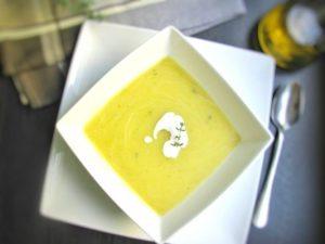 Zupa krem z pora i ziemniaków z tymiankiem