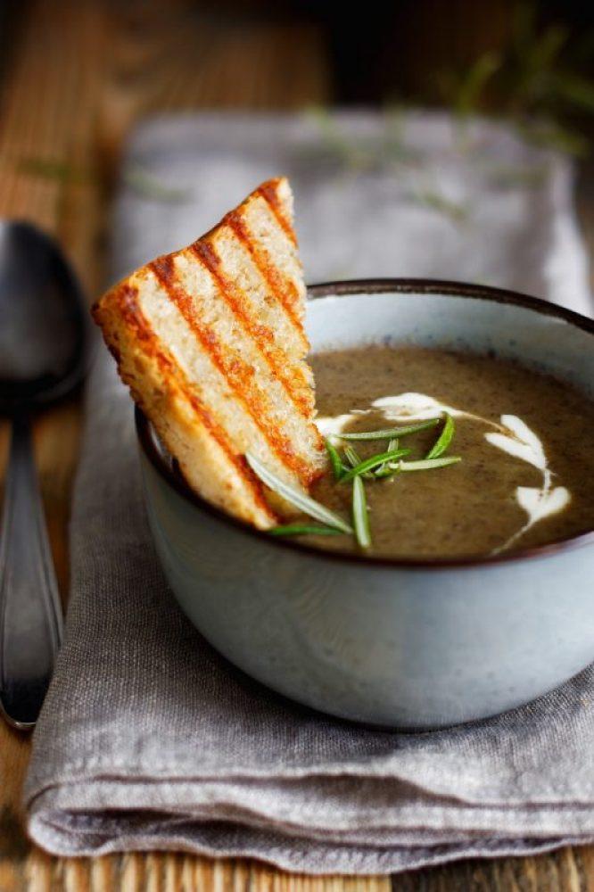 Prosta zupa krem z pieczarek