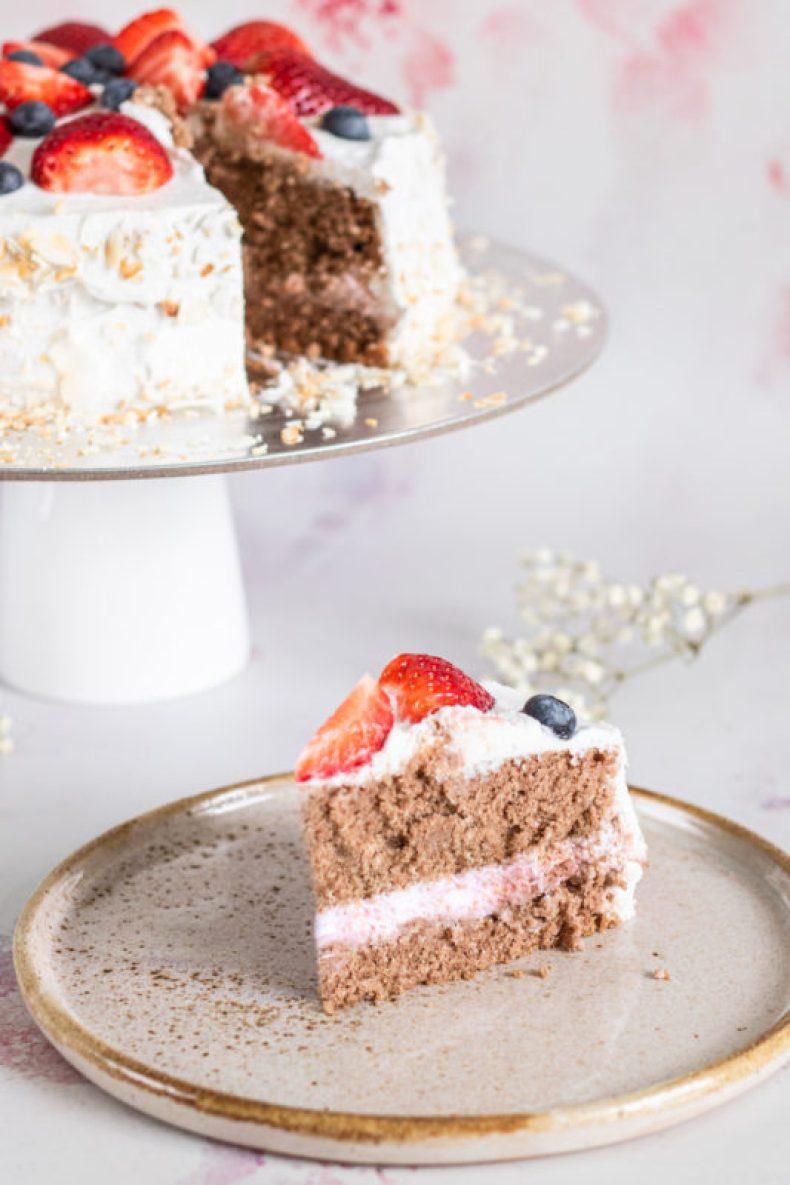 Wegański-tort-bezglutenowy przekrój