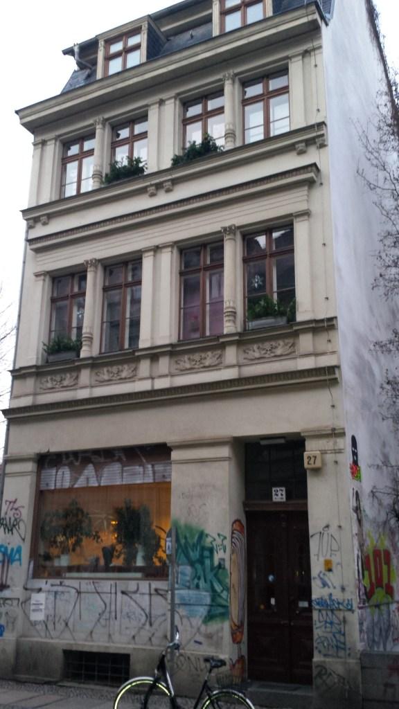 kleines Haus in Mitte