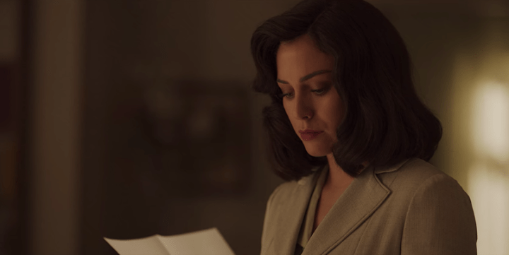 Las Chicas Del Cable Season 5 Part 1, Cable Girls, Netflix, Lidia, letter, Sofia, lipstick