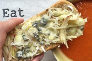 zupa pomidorowo-paprykowa z grzanką