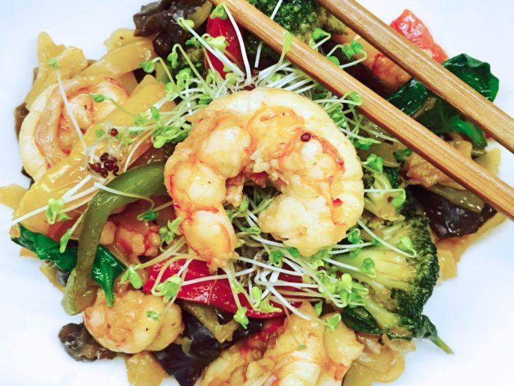 Przepis na makaron i warzywa stir fry - kuchnia orientalna