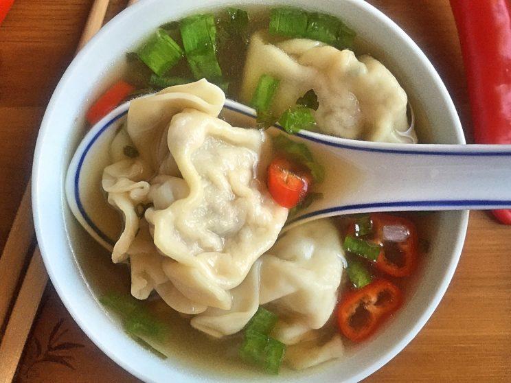 Przepisy z resztek kurczaka - zupa Won ton