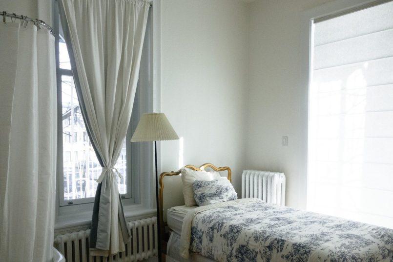 bedroom 690129 1920