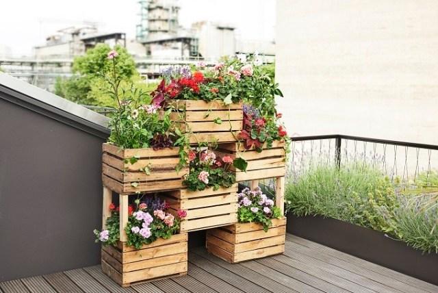 Balkonowy Kwietnik Ze Skrzynek Pomysł Z Pelargoniami