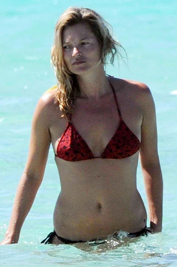 Kate Moss - topless  (4)
