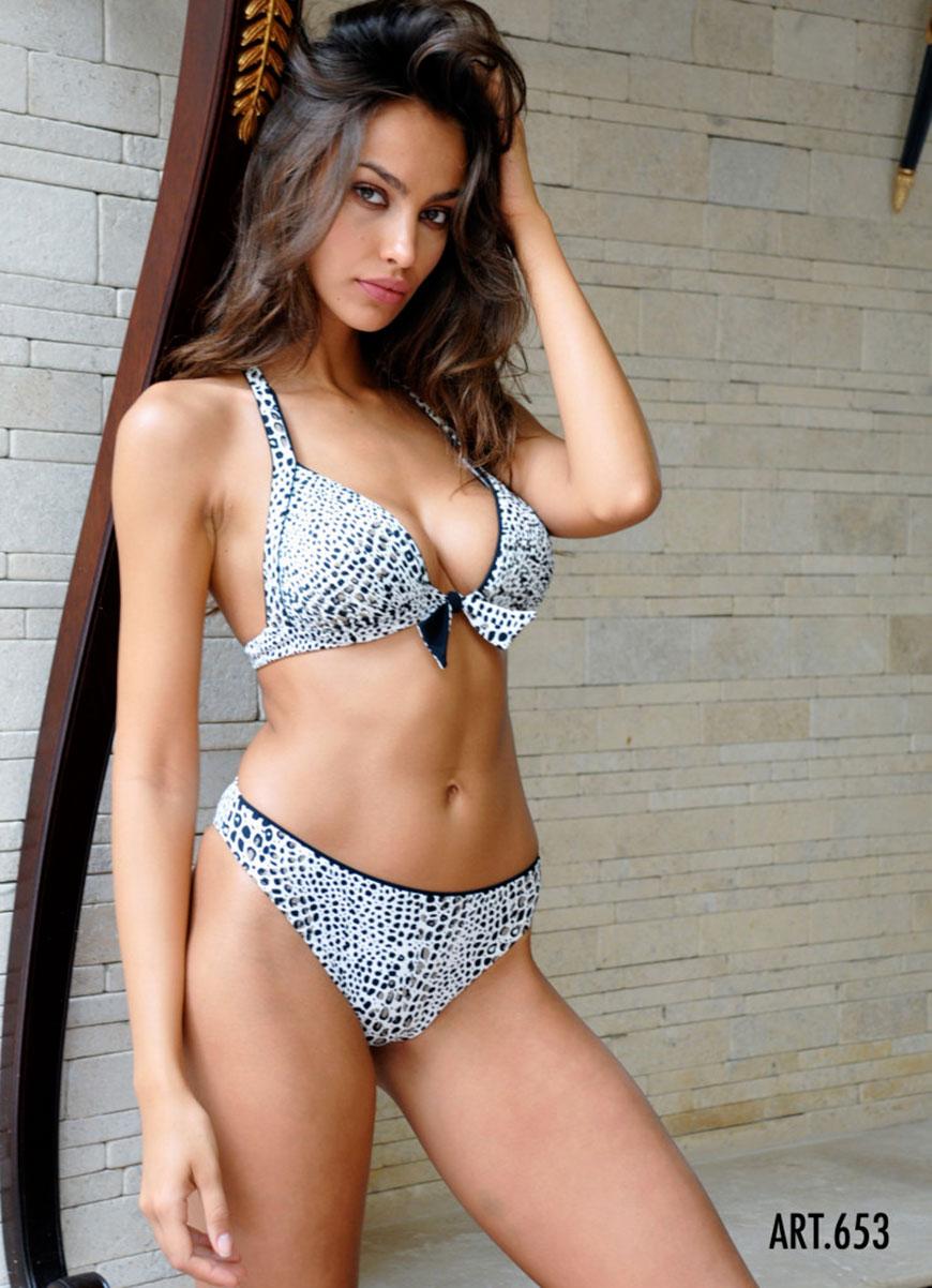 Madalina Diana Ghenea - bikini (22)