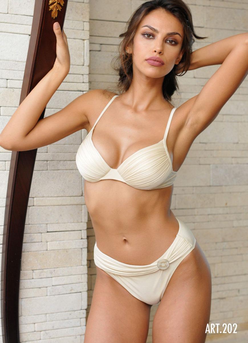 Madalina Diana Ghenea - bikini (5)