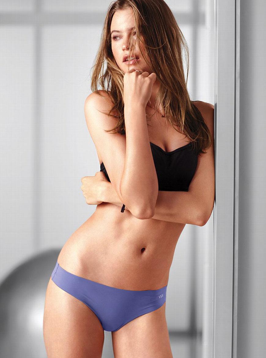 Behati Prinsloo - Victoria Secret (29)